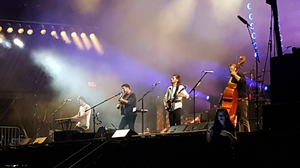 Mumford & Sons bring down the house Weekend 2